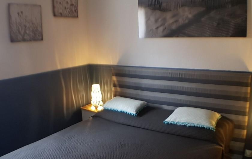 Location de vacances - Villa à Le Lavandou - La chambre du RdC