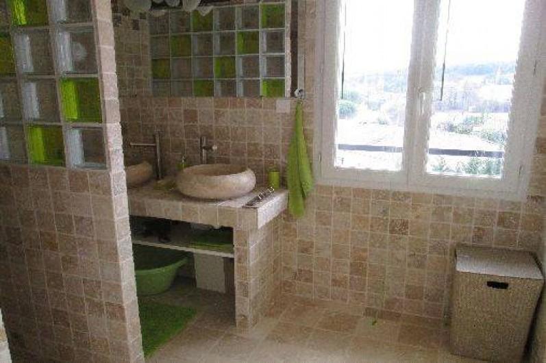Location de vacances - Maison - Villa à Brue-Auriac - La salle de bains du 1er étage