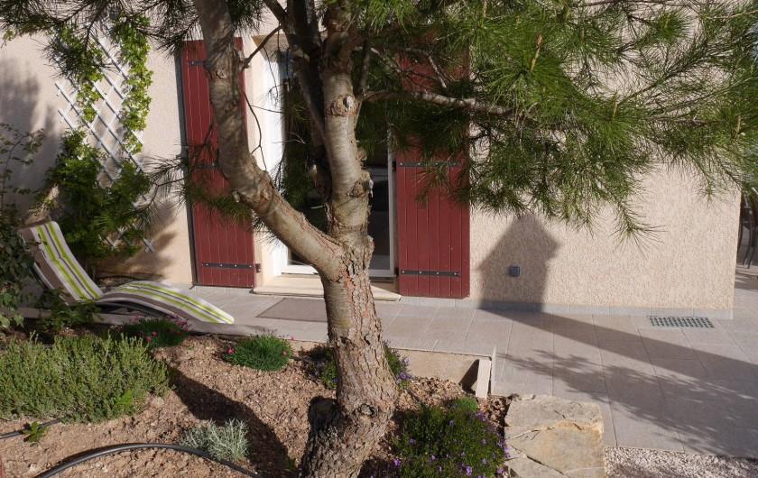 Location de vacances - Maison - Villa à Brue-Auriac - Un petit coin tranquille pour lire ou faire la sieste...