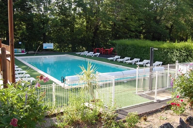 Location de vacances - Camping à La Bourboule - Piscine chauffée
