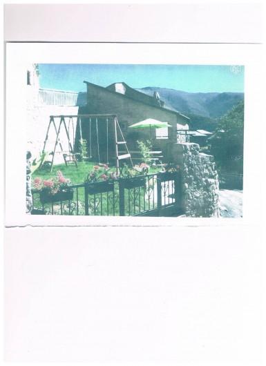 Location de vacances - Maison - Villa à Railleu - JARDIN PORTIQUE BARBECUE BOIS A VOLONTE TABLE PARE SOL SECHOIR