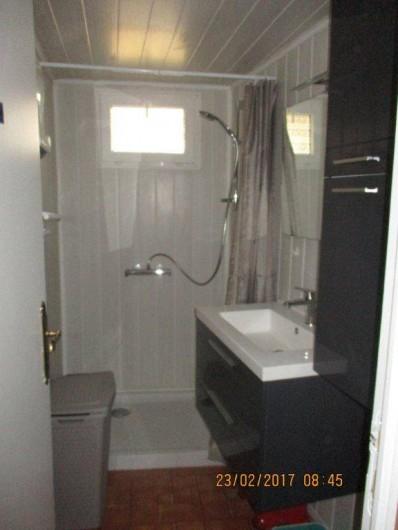 Location de vacances - Maison - Villa à Railleu - SALLE D'EAU ET WC DOUCHE ET LAVABO