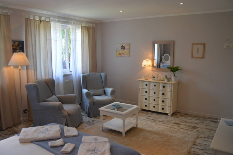 Location de vacances - Chambre d'hôtes à Marlenheim - Le coin salon de la grande chambre
