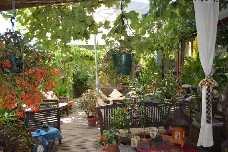 Location de vacances - Chambre d'hôtes à Marlenheim - Jardin : terrasse