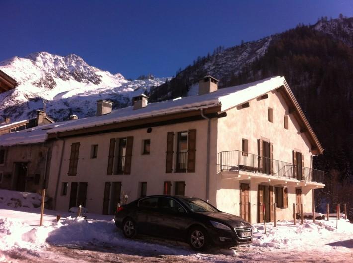 Location de vacances - Appartement à Chamonix-Mont-Blanc - appartement au 1er étage à droite avec balcon