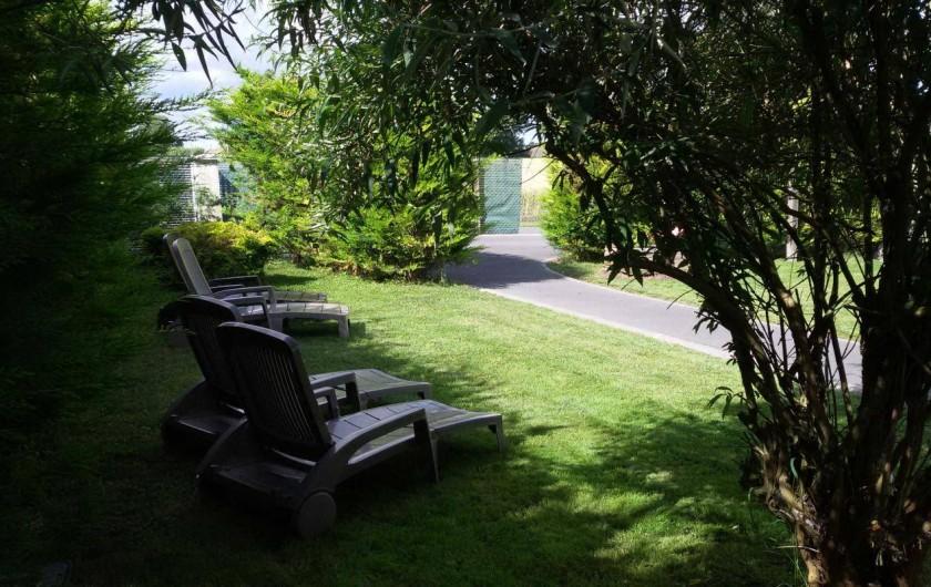 Location de vacances - Gîte à Arces - Bains de soleil