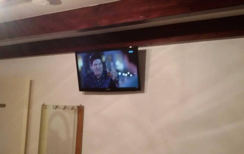 Location de vacances - Gîte à Arces - Chambre. TV led 24 pouces dans chaque chambres
