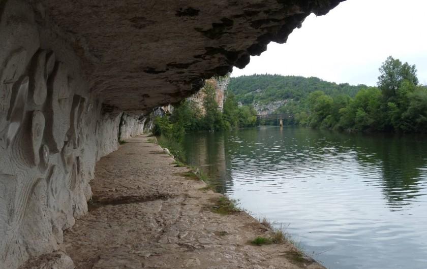 Location de vacances - Maison - Villa à Causse-et-Diège - chemin de halage au bord du Lot à Saint Cirq Lapopie