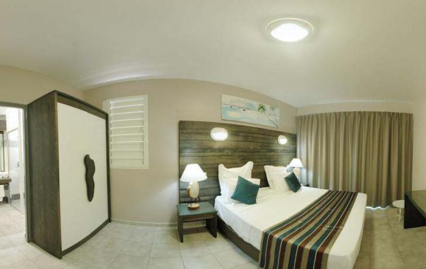 Location de vacances - Hôtel - Auberge à Terre-de-Haut - Vue d'ensemble de votre chambre vue mer !!