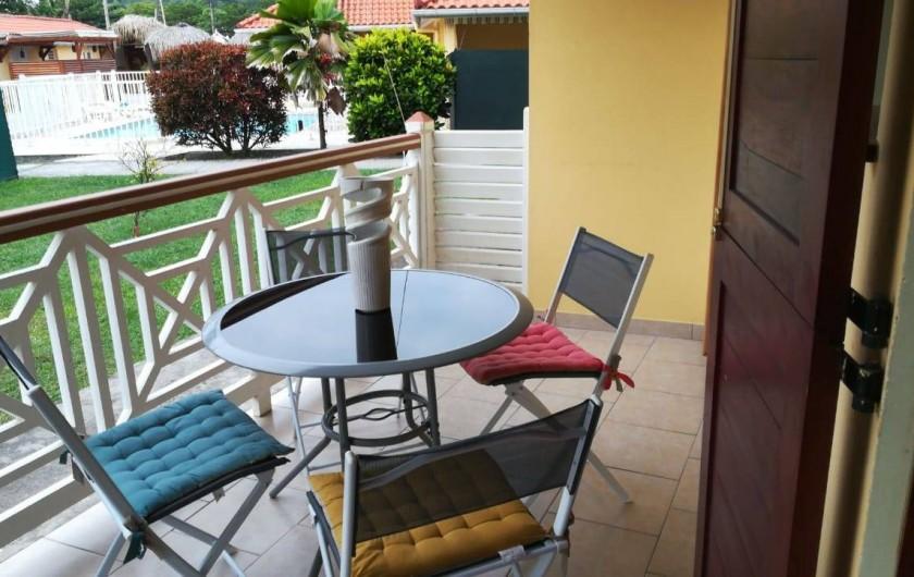 Location de vacances - Appartement à Les Trois-Îlets - Vue de la piscine