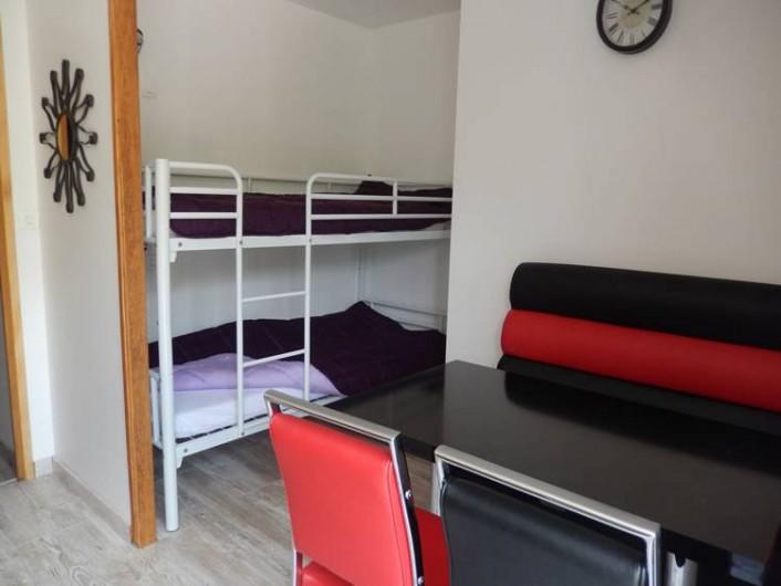 Location de vacances - Camping à La Motte-Chalancon - Appartement