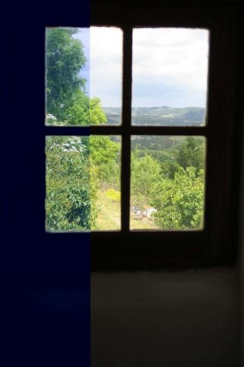 Location de vacances - Gîte à Marvejols - Séjour du bas qui donne sur le jardin