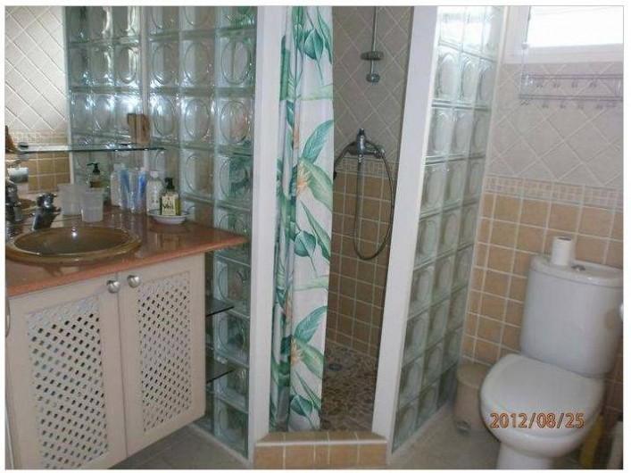 Location de vacances - Villa à Le Marin - sajje d'eau avec douche italienne entre les 2 chambres lit 140