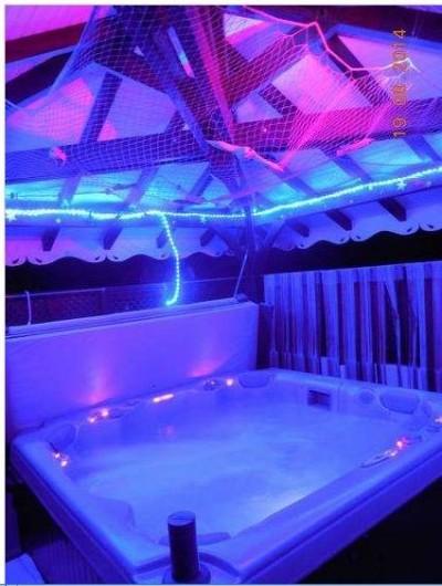 Location de vacances - Villa à Le Marin - spa/jacuzzi  7 places dans carbet intime  avec lumières musique ambiance