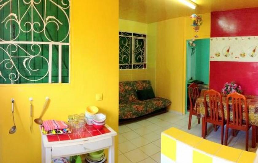 Location de vacances - Bungalow - Mobilhome à Sainte-Anne - Appartement Poirier Paruline - Living + Cuisine