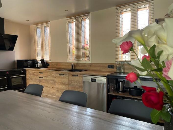 Location de vacances - Villa à Écollemont - Troisième salle d'eau, 2 vasques , 2 douches, sèche-cheveux,