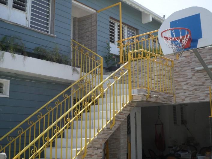 Location de vacances - Appartement à Port-Louis - Escalier arrière villa