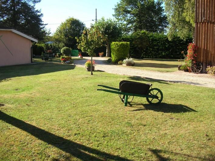 Location de vacances - Maison - Villa à Lège-Cap-Ferret - Jardin et allée privative
