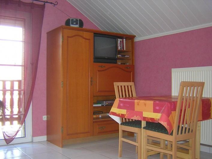 Location de vacances - Appartement à Berrwiller - coin séjour,salon