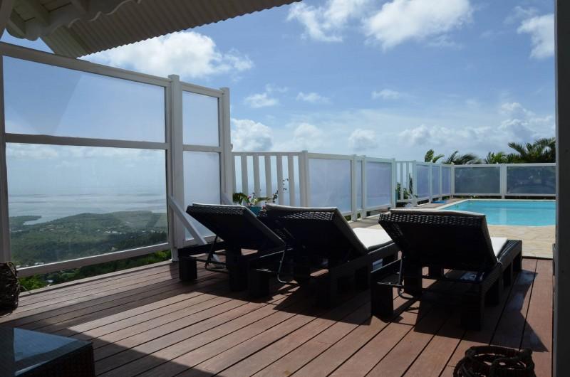 Location de vacances - Villa à Le Diamant - Terrasse et piscine
