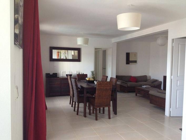 Location de vacances - Villa à Le Diamant - Salle à manger et salon