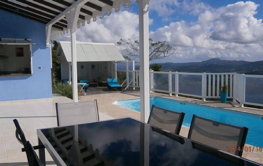 Location de vacances - Villa à Le Diamant - Terrasse , piscine et carbet