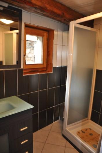 Location de vacances - Appartement à Ceillac - La salle de douche