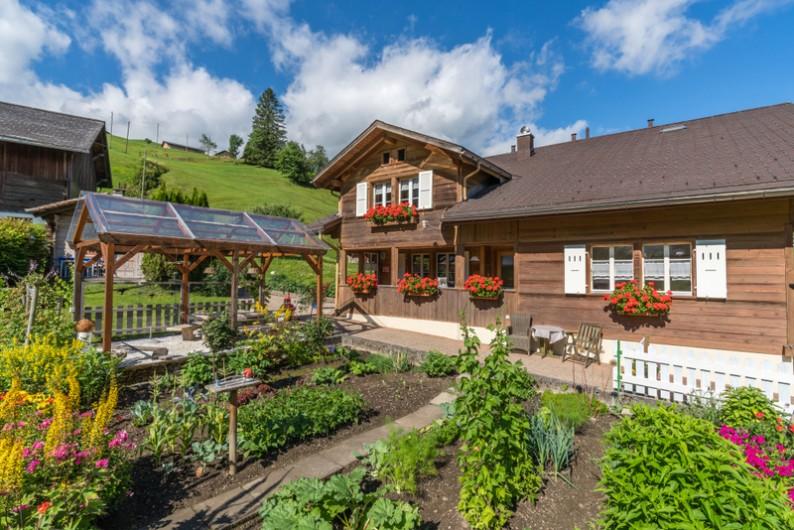 Location de vacances - Appartement à Grindelwald - jardin
