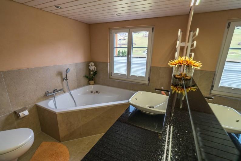 Location de vacances - Appartement à Grindelwald - salle de bain