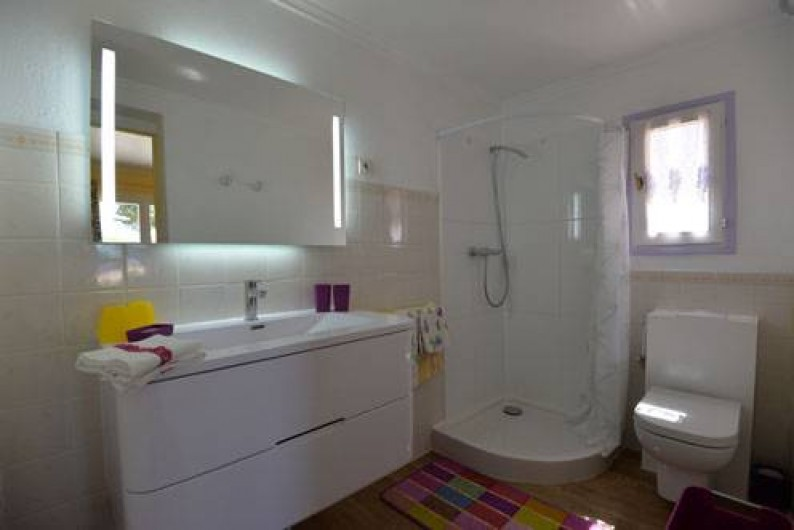 Location de vacances - Chambre d'hôtes à Apt - salle de bains ch COLORADO