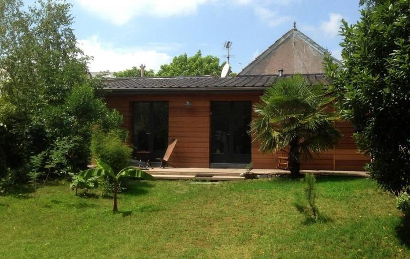 Location de vacances - Chambre d'hôtes à Mérignac - le clos bamboo dans le jardin