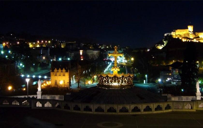 Location de vacances - Appartement à Adast - Lourdes de nuit
