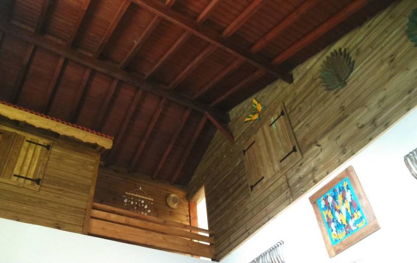 Location de vacances - Chambre d'hôtes à Sainte Rose - Case chambre  dans maison + SDD + pièce TV