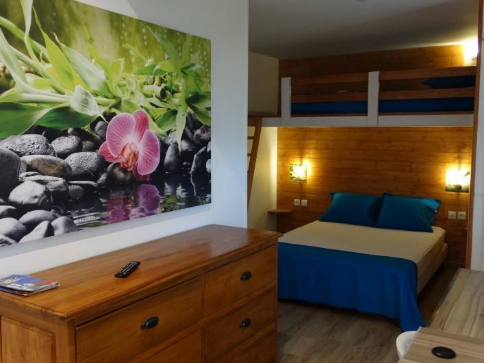 Location de vacances - Studio à Vincendo - lit de 2 places avec mezzanine  pour enfant