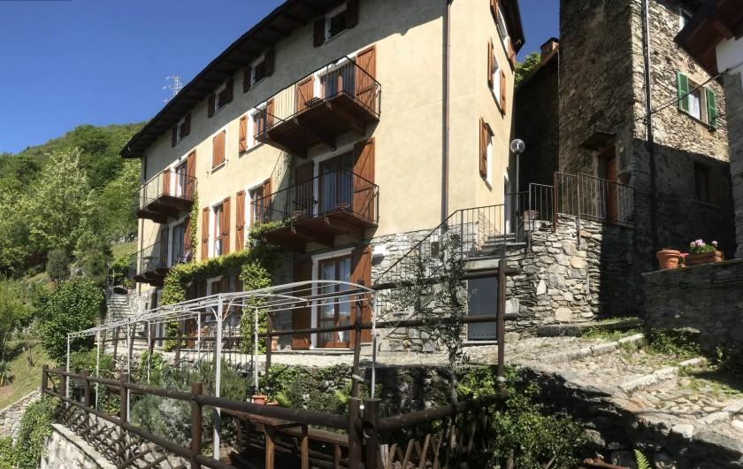 Location de vacances - Appartement à Bellano - façade de notre maison