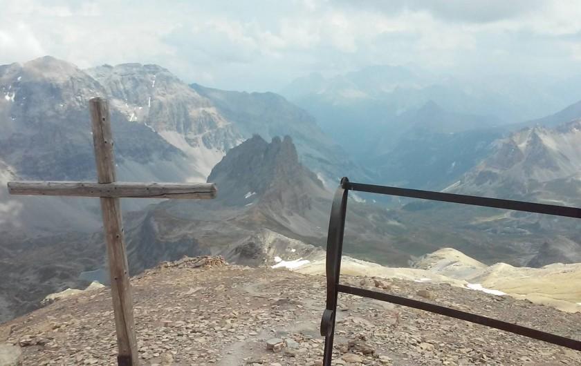 Location de vacances - Appartement à Modane - Vue de la Chapelle du mont Thabor 3170 m