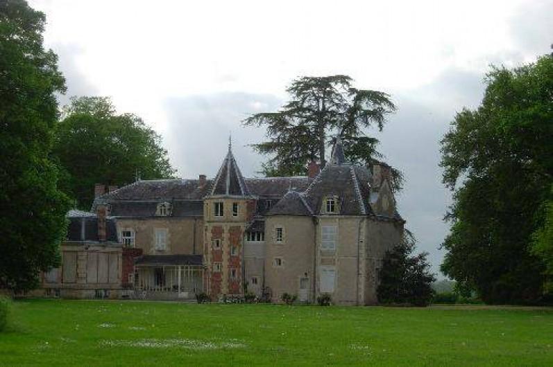 Location de vacances - Château - Manoir à Ourouer-les-Bourdelins - Vue arrière