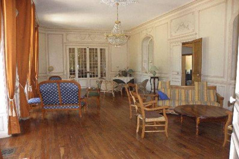 Location de vacances - Château - Manoir à Ourouer-les-Bourdelins - Grand Salon