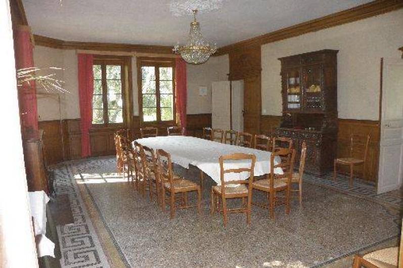 Location de vacances - Château - Manoir à Ourouer-les-Bourdelins - Salle-à-manger - table de 16 personnes