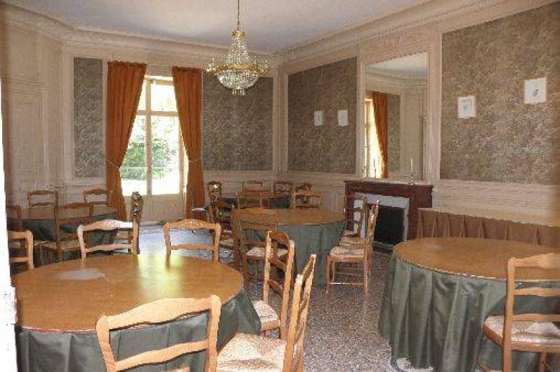 Location de vacances - Château - Manoir à Ourouer-les-Bourdelins - Salon - salle-à-manger complémentaire