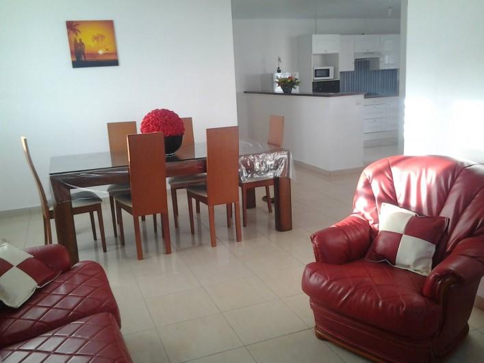 Location de vacances - Villa à Le Lamentin - Salle à manger-salon