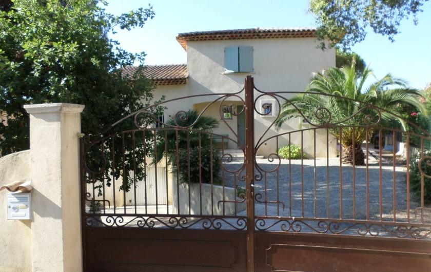 Location de vacances - Villa à Fréjus - entrée au  nord