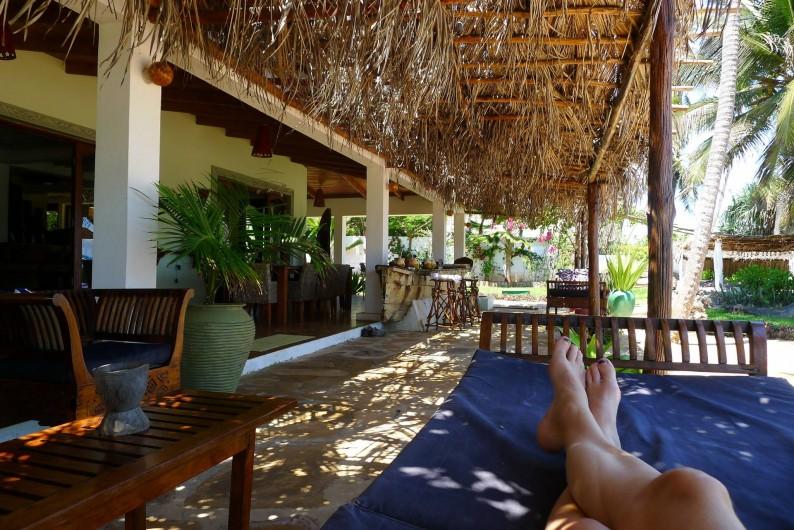 Location de vacances - Villa à Zanzibar - La véranda et la pergola , puisque en Afrique , on vit dehors ....