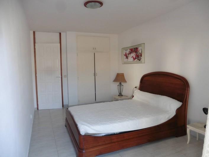 Location de vacances - Appartement à L'Estartit - toujours la 1 e chambre avec son placard
