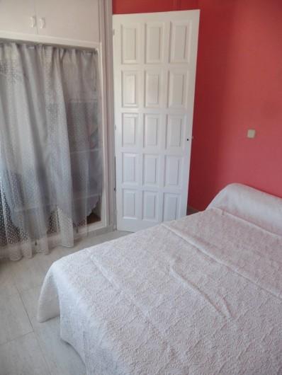 Location de vacances - Appartement à L'Estartit - la 2eme chambre avec son placard