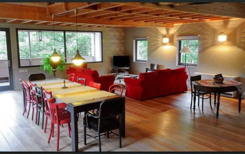 Location de vacances - Gîte à Waulsort - Le séjour, salle à manger
