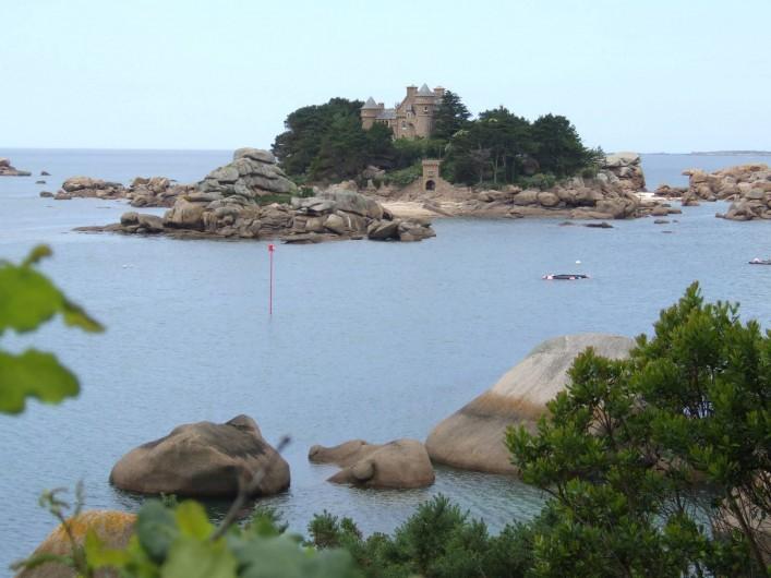 Location de vacances - Appartement à Trévou-Tréguignec - Le château de Costaéres sur son île