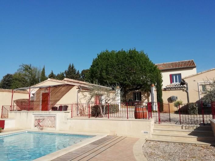 """Location de vacances - Gîte à Carpentras - Studio """"Le Cabanon"""" et piscine"""