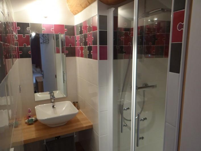 Location de vacances - Gîte à Monistrol-sur-Loire - salle de douche 2 2è etage