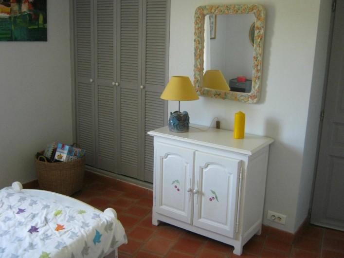 Location de vacances - Gîte à Villecroze - CHAMBRE ENFANTS